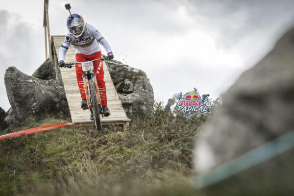 Rachel Atherton competes at Red Bull Fox Hunt in Machynlleth, Wales, UK on 30th September 2018 // Leo Francis/Red Bull Content Pool // AP-1X2E5NCVH2111 // Usage for editorial use only //
