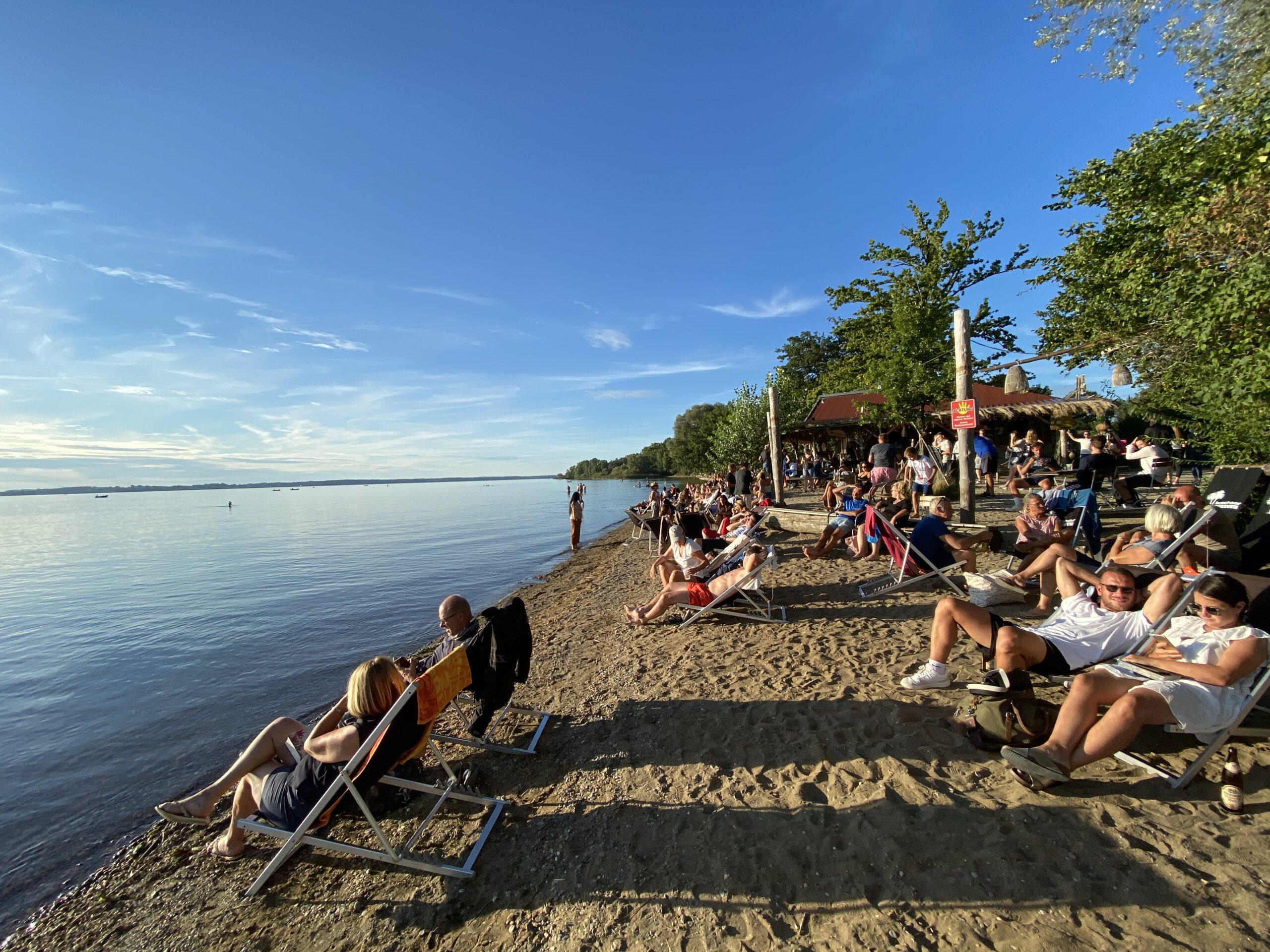 Strandbäder, Beachbars und Restaurants