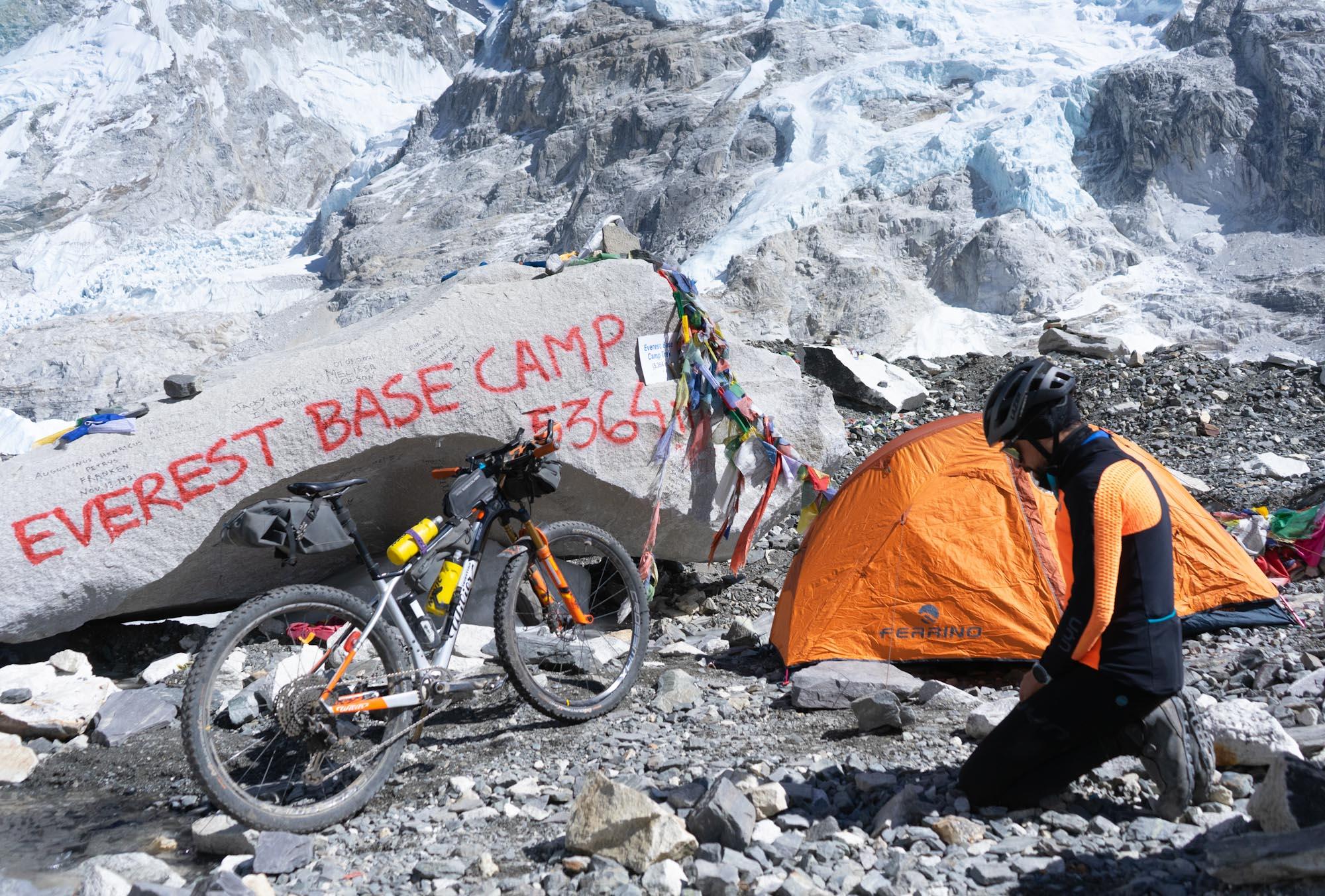 Solo-Winterdurchquerung des Himalayas mit dem Mountainbike erfolgreich